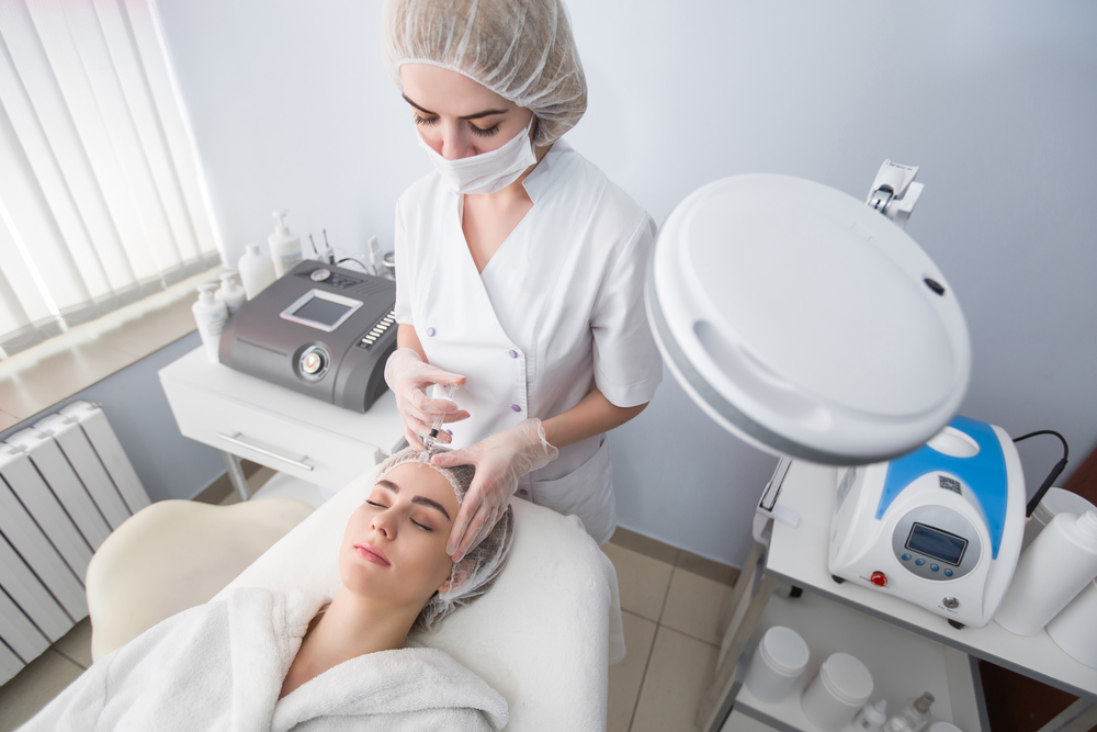 woman receiving anti wrinkle injections